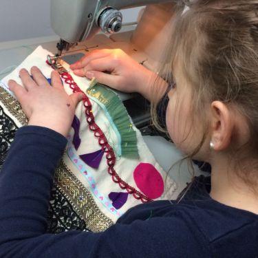 Ontwerpen en maken achter de naaimachine