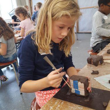 Creatief met Sjors Minions maken bij Kunst & Co-Uden